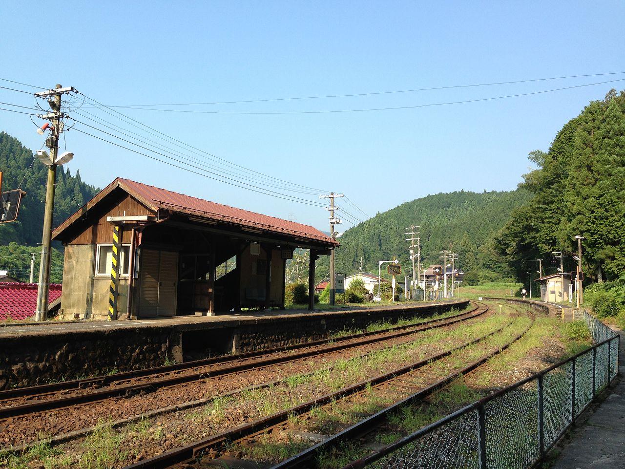 那岐駅ホーム