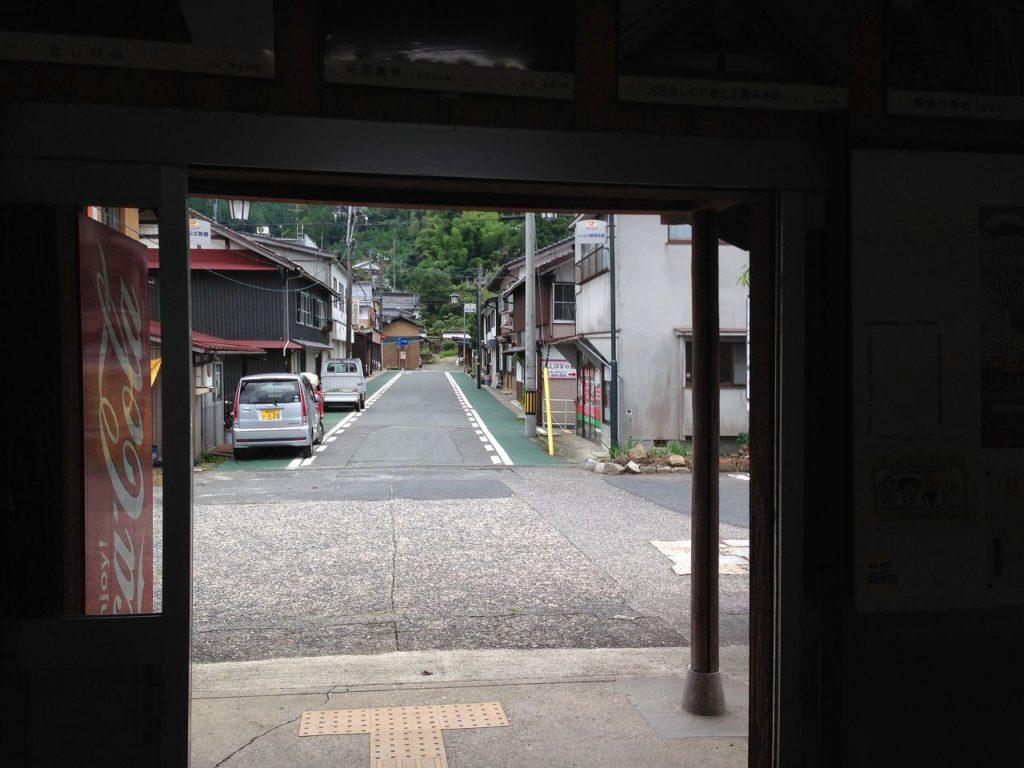 用瀬駅-駅前通り