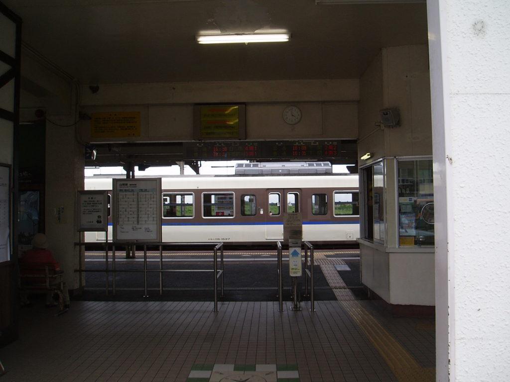 改札口-小月駅