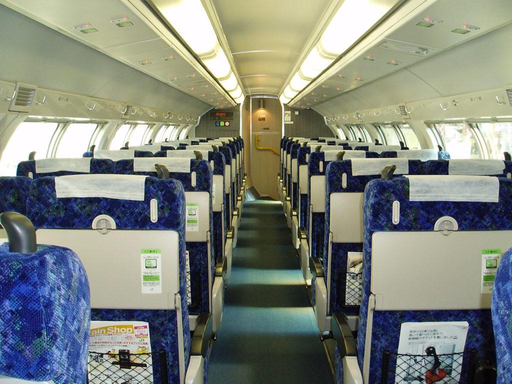 E231系-グリーン車車内